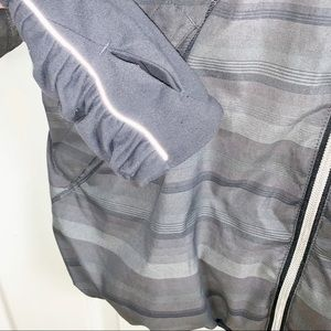 lululemon athletica Jackets & Coats - LULULEMON 8 Run Hustle Jacket - Gray Poncho